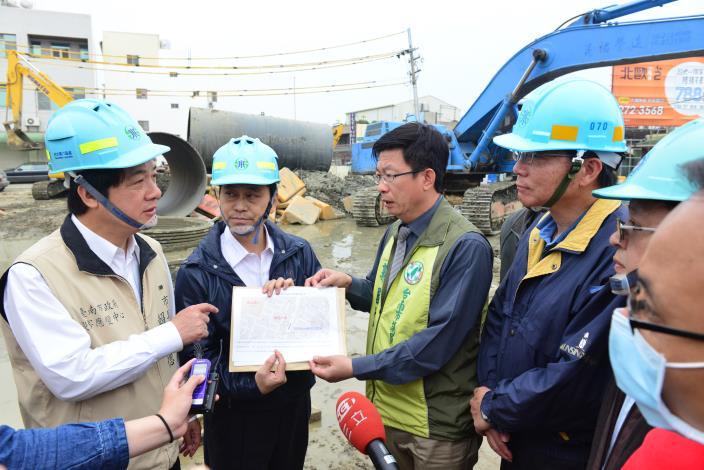 賴市長希望自來水公司能盡快修復永大路自來水管線