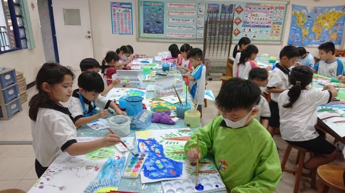 臺南市國小課後照顧服務開辦校數近八成,提供家長平價、安全、快樂的友善服務(共2張)-1