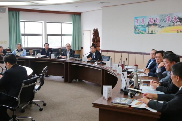 市長期許市府團隊以漸進推動市政改革的方式,精準到位