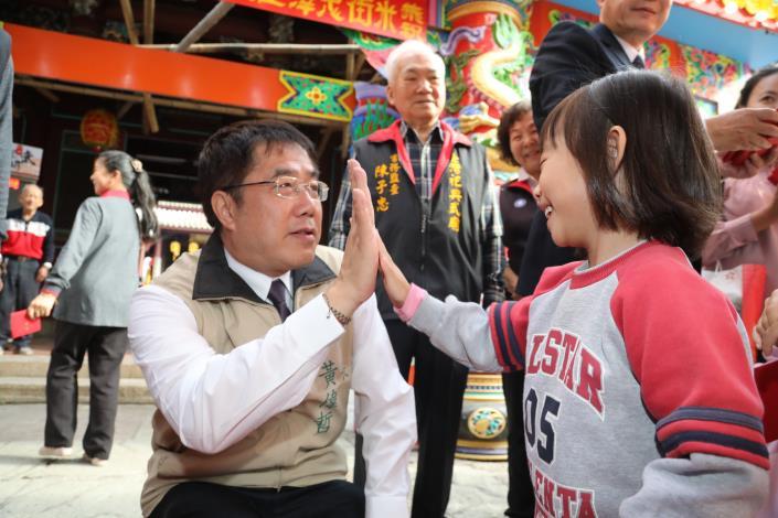 喜迎豬年 黃市長參訪台南市各寺廟 祈求風調雨順、國泰民安(共6張)-1