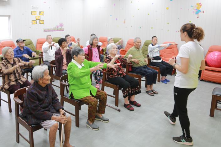 日照中心提供許多有助於長者復建治療的課程