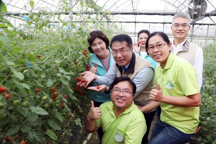 南市府召開青農座談會  黃偉哲聆聽青農心聲期許台南成為友善青農城市(共5張)-1