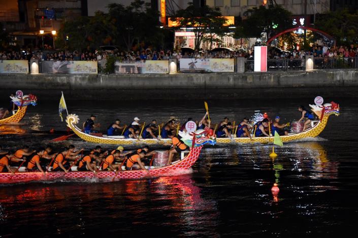 安平運河夜間龍舟競賽