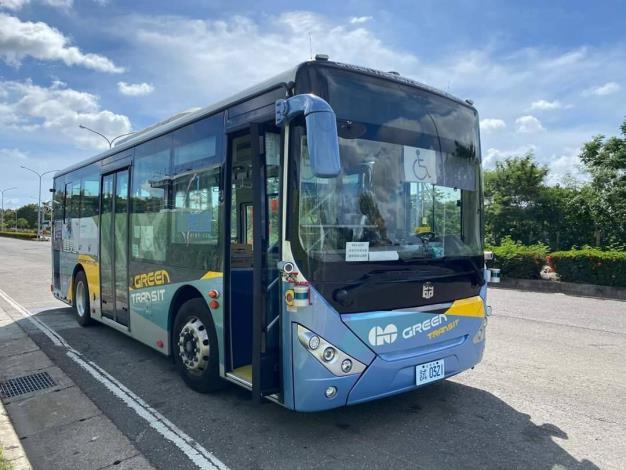 台南市自駕公車領牌  下半年完成測試後上路載客(共2張)-1