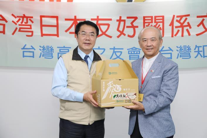 IMG_2933台灣知日協會與台日高座之友會幹部組拜會市長 (2).JPG