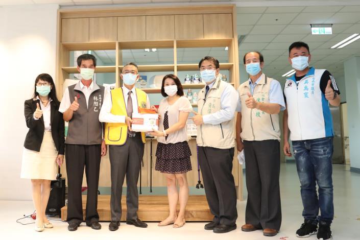 台南第一獅子會捐贈心測寶及社服金予悠然綠園 黃偉哲感謝獅兄獅姐讓台南成為一個有愛的城市