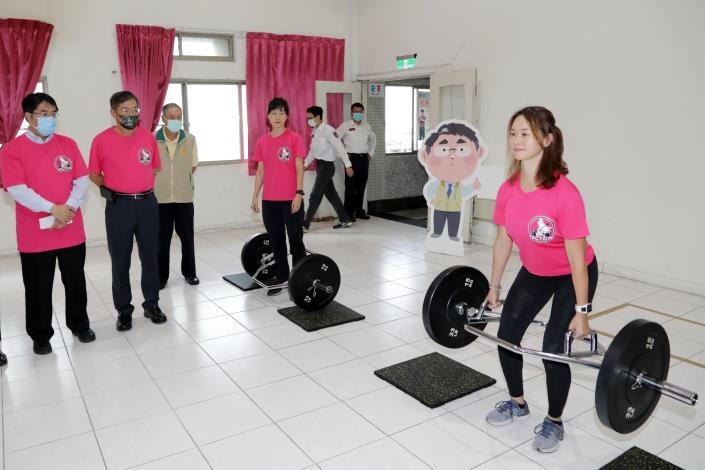 台南消防局肌力體能教官團成軍 黃偉哲盼正確的體能訓練提升救災效能 (共6張)-1