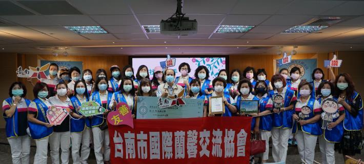 南市社會局攜手台南市國際蘭馨交流協會 送愛到善牧嬰兒之家(共3張)-1