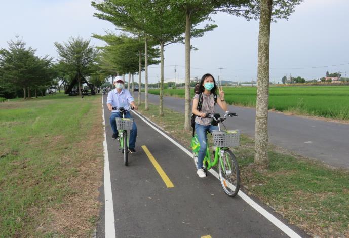黃偉哲市長邀請車友換上輕裝出發,一同領略自行車道鄉間遊歷之趣(共3張)-1