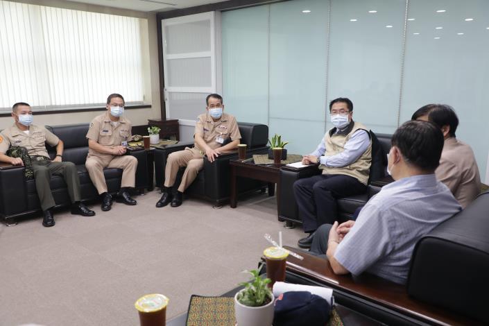 0504國防部海軍司令部副司令胡展豪中將拜會04
