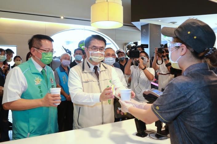 市長於麥當勞使用循環食器