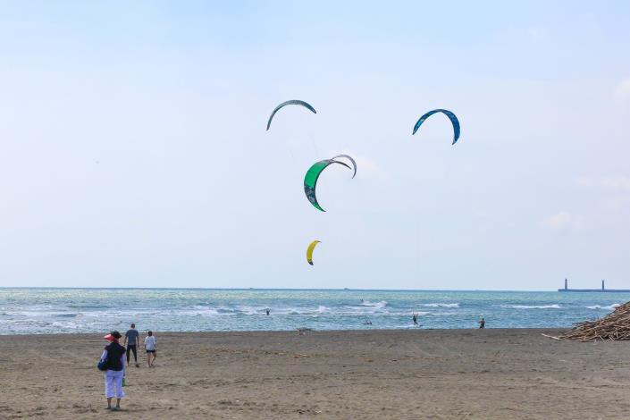 4.黃金海岸 風箏衝浪(南市觀旅局提供)1