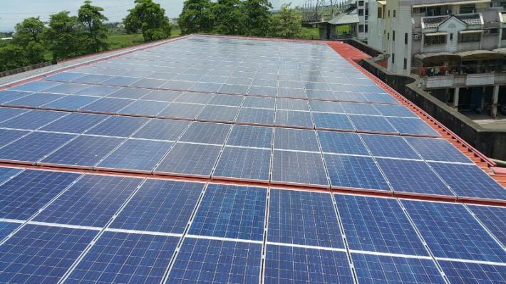節能環保新亮點 校園屋頂增綠能