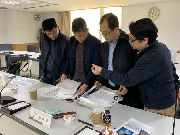 AB圖袋新制成效卓著 吸引新竹縣政府團隊前來取經-做法講解