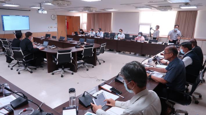 防疫提前部署 臺南市教育局試辦視訊會議(共2張)-1