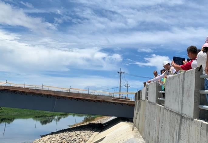 樑底太低中間落墩常造成水流阻礙及沖刷