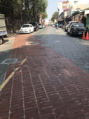 古堡街地磚改善前照片