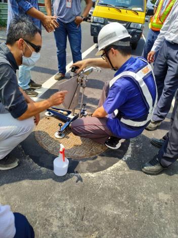 工務局抽查未達標者-自來水、臺電人手孔要求儘速改善