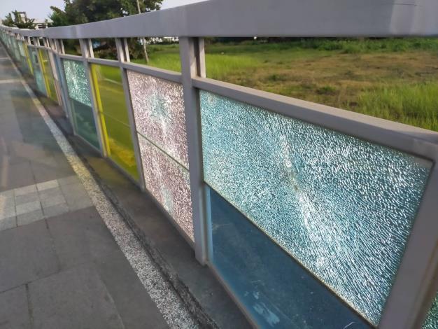 玻璃板材遭破壞龜裂