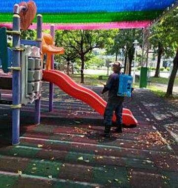開放前已完成公廁及兒童遊戲場等設施消毒工作