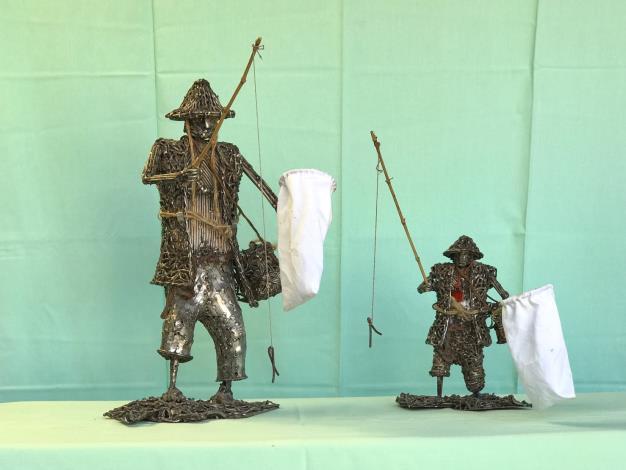 12-林允力鋼雕作品-父子釣青蛙