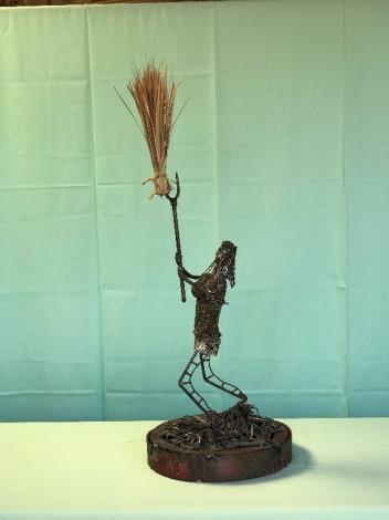 20-林允力鋼雕作品-揬稻草