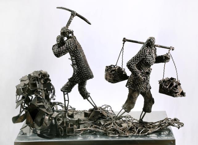 01-林允力鋼雕作品-開墾荒地