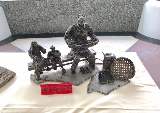 04-林允力鋼雕作品-篩芝麻