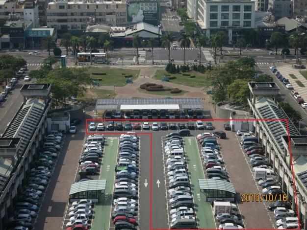 西半側(含編號73~86)停車場封閉施工.JPG