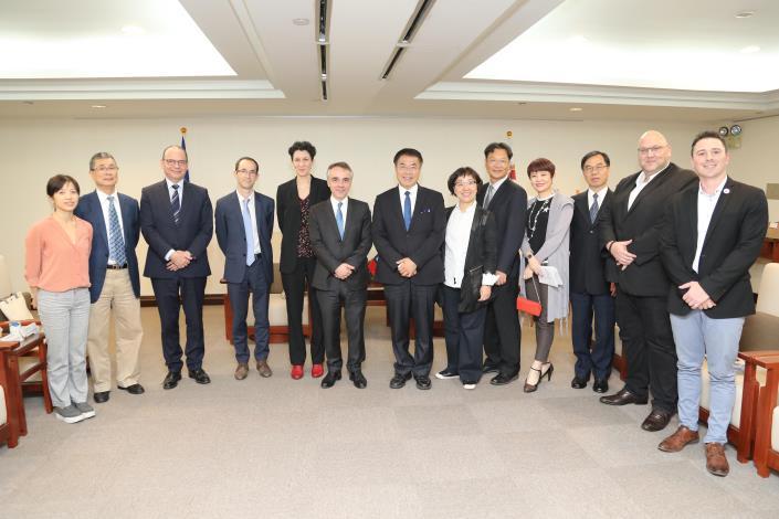 市長、副市長與法國代表等合影