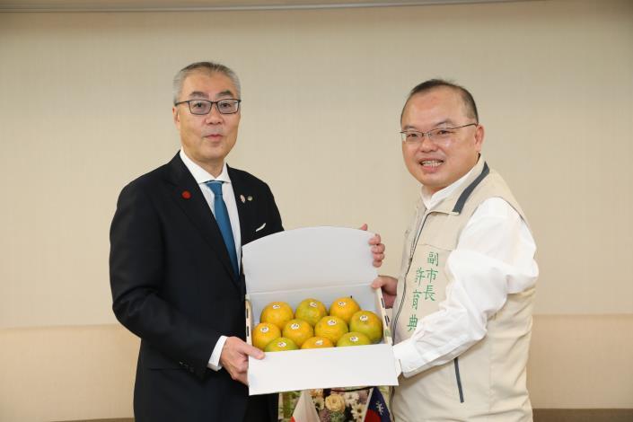 日本蘋果王國弘前市副市長赴台南交流 許副市長盼兩市農業共同攜手升級(共3張)-2