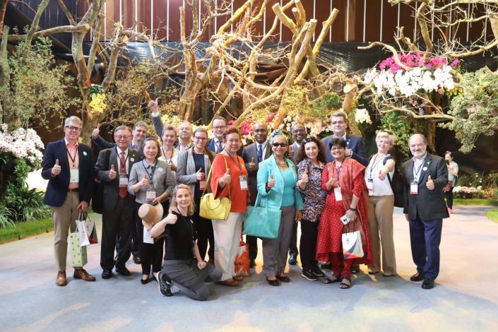 Group Photo of Foreign Diplomatic Personnel  in 2019 Taiwan International Orchid Show Opening Ceremony