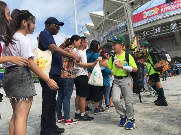 South African Representative Travels to Tainan to Show Support for U12 South African Athletes-5