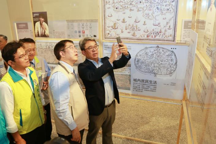 Tainan's 400-year-old Ancient Map Special Exhibition Opens Today-3