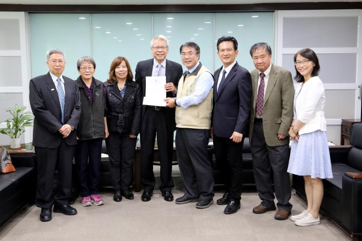 Tainan City Committee of US Sister City Association in Kansas Visits Mayor Huang Wei-che -2