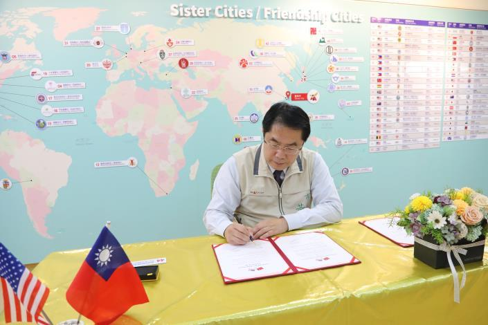 Mayor Huang Wei-che Announces West Covina Has Signed Friendship City Agreement with Tainan4