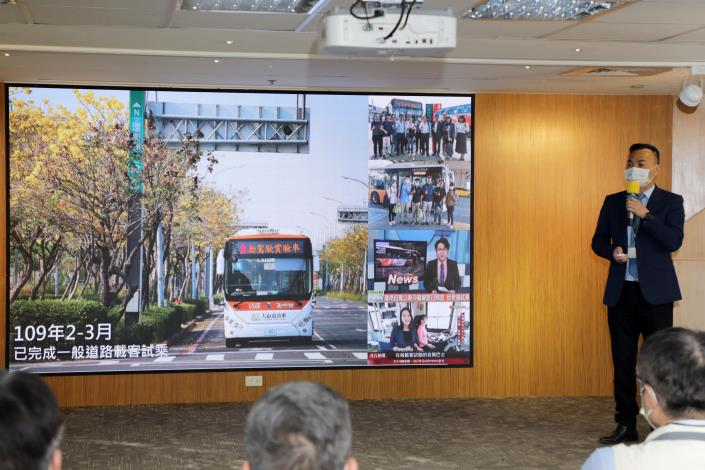 Tainan Team of Self-driving Buses Signs Letter of Intent.  Mayor Huang Hopes Autonomous Bus Operations Can Be Transferred to Private Sector As Soon As Possible 4