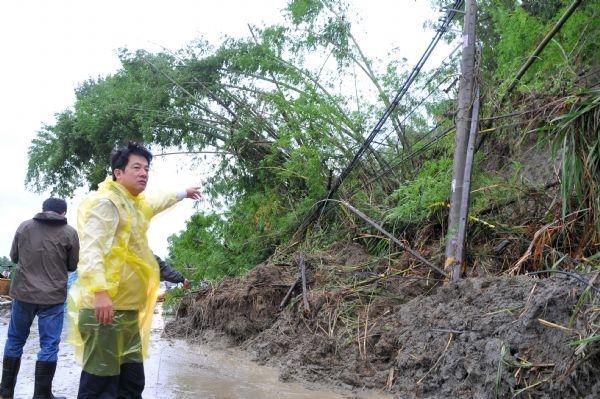101年6月20日賴市長指示盡快排除南化台20線道土石流