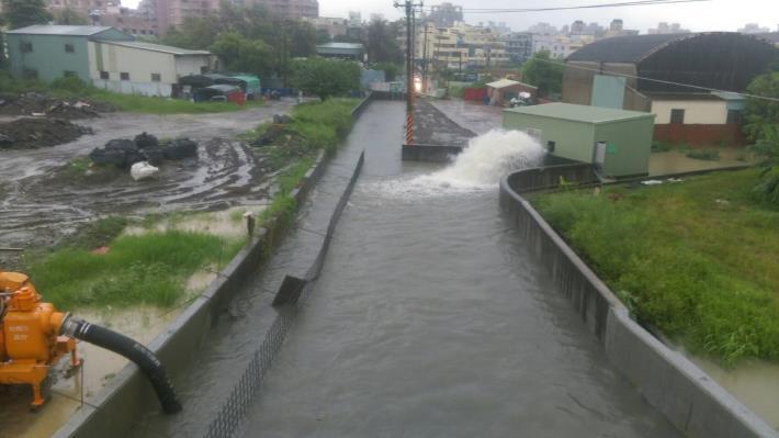 大灣排水應急加高堤岸及抽水站