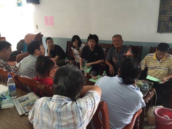 7月17日-由里長和理事長幫我們介紹部落的族親