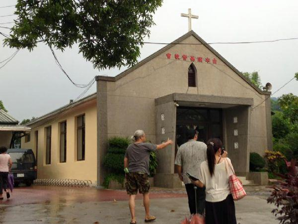 7月17日-吳傳道師說明,該部落的居民幾乎都是西拉雅族人,有百分之九十以上人口以基督為信仰