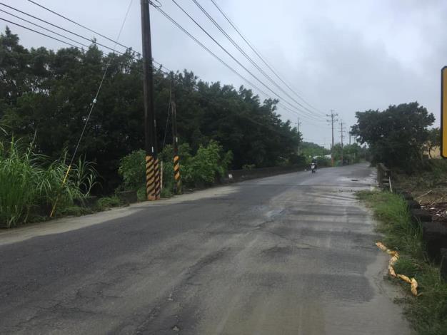 因雨勢減緩,水位下降,本區與關廟區的高苓橋於今(5/23)6點30分解除封橋狀態。2