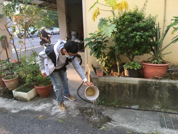 辦理11月份環境清潔日暨區里病媒蚊密調評比活動7