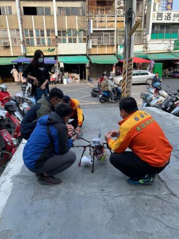 歸仁消防分隊則商請台南市義消通訊中隊運用飛行器投入宣導