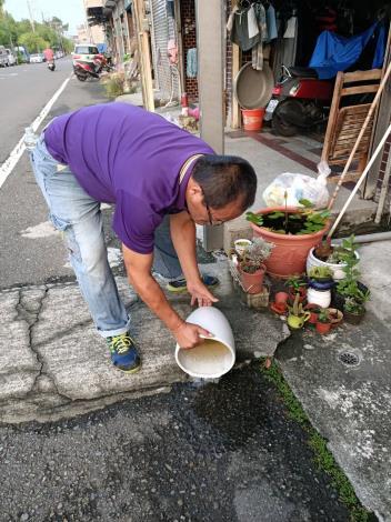 清除居家環境室內外積水容器3
