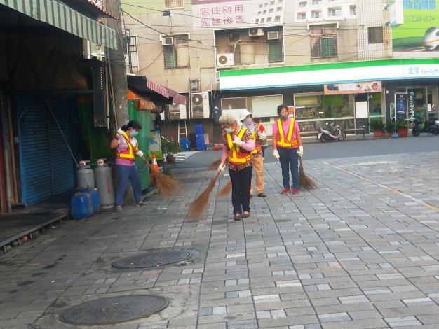 許厝里義工打掃環境清潔2