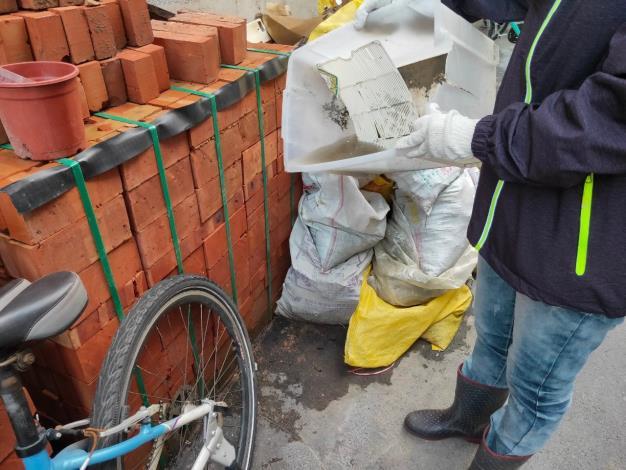 清除居家環境室內外積水容器4