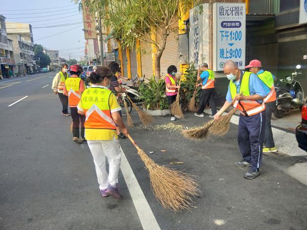 環保義工隊進行環境清潔打掃2