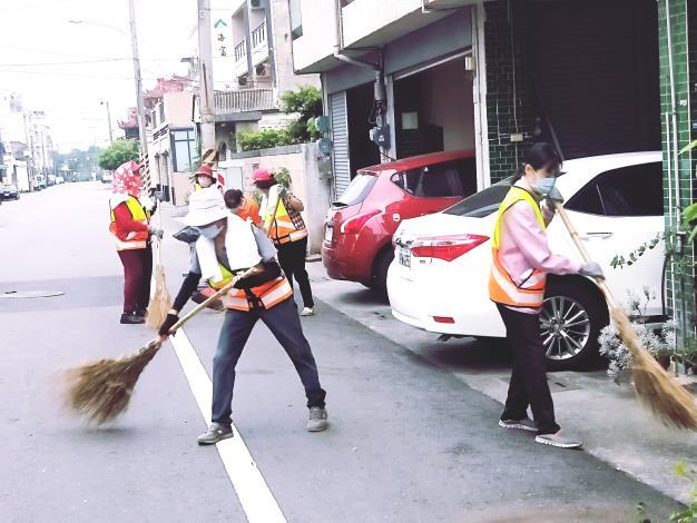崙頂里義工隊掃街
