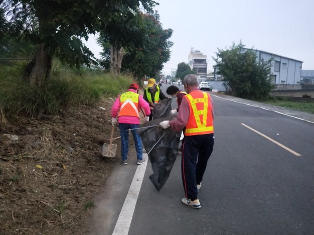 義工隊進行環境清潔4